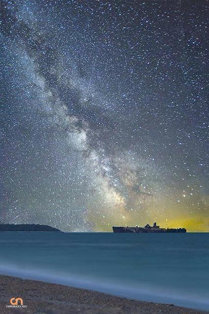 chirobocea nicu travel photographer landscape night milky way stars boat fotograf profesionist evenimente corporate commercial travel peisaje sea water beach